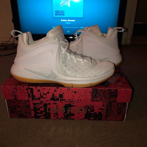 sports shoes 4a97f 05114 Select Size to Continue. M 5c343b05951996e868712d5d